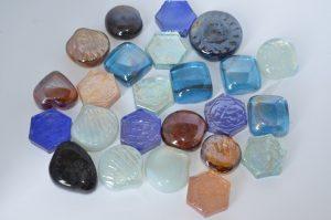 Камни (3-4см) декоративные