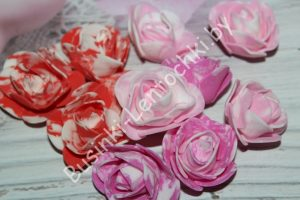 """Головки (3см) роз """"мрамор"""" из фоамирана"""