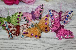 Бабочки (5,5см) со стразами на зажиме