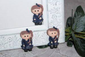 """Кабошон (2,3×4см) """"девочка в синем платье"""""""
